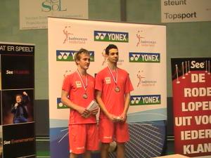 (Miniature) YONEX DUTCH JUNIOR : la paire Lodiot/Maio en argent